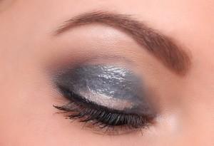 эффект мокрых глаз MAC Gloss Creme Brillance