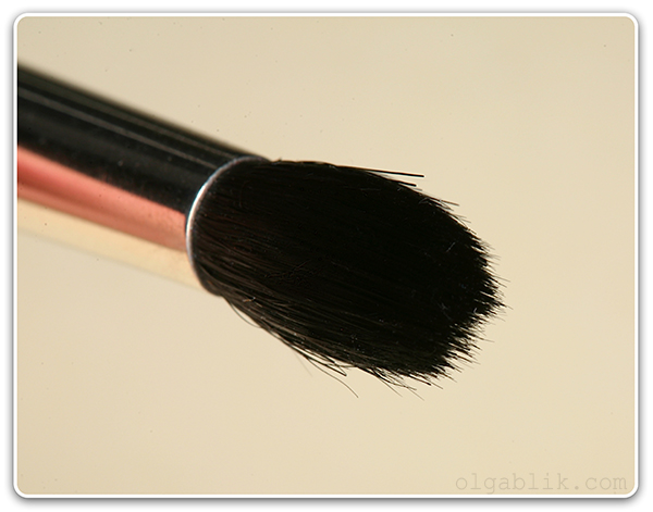 Кисть для растушевки теней MAC 226 Brush