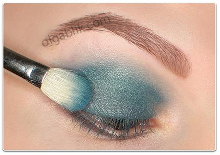 Бирюзовый макияж глаз