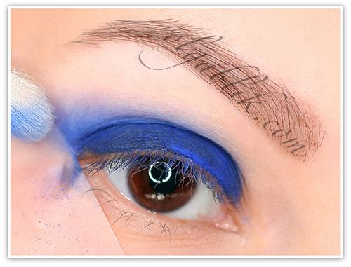 Макияж глаз с использованием скотча