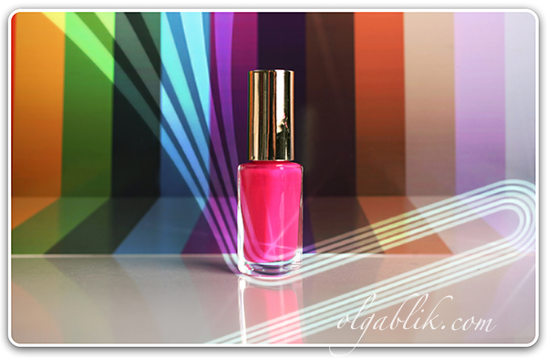 Лак L'Oreal Paris Color Riche 210 Shocking Pink