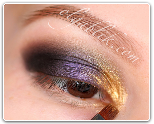 Sleek I-Divine Palette in Bad Girl, Golden Smokey Eye makeup – Step by step tutorial