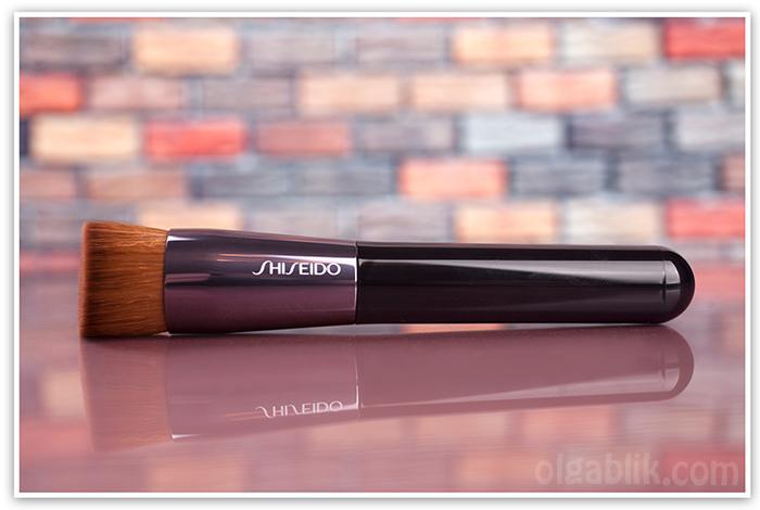 Кисть для тонального крема Shiseido Perfect Foundation Brush