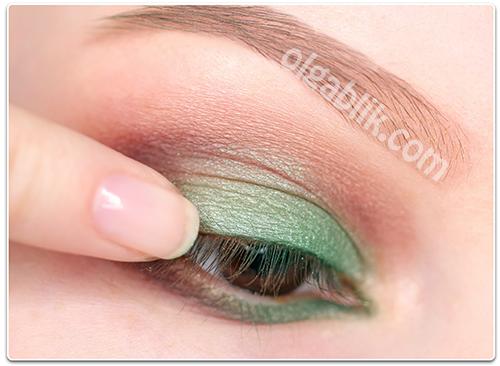 Как наносить зеленые тени