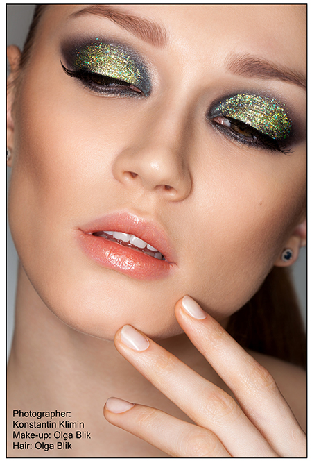 Glitter eye makeup 2