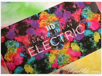 Палетка: Urban Decay Cosmetics Electric Pressed Pigment Palette.
