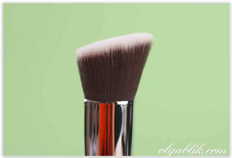 Кисть для макияжа Зоева