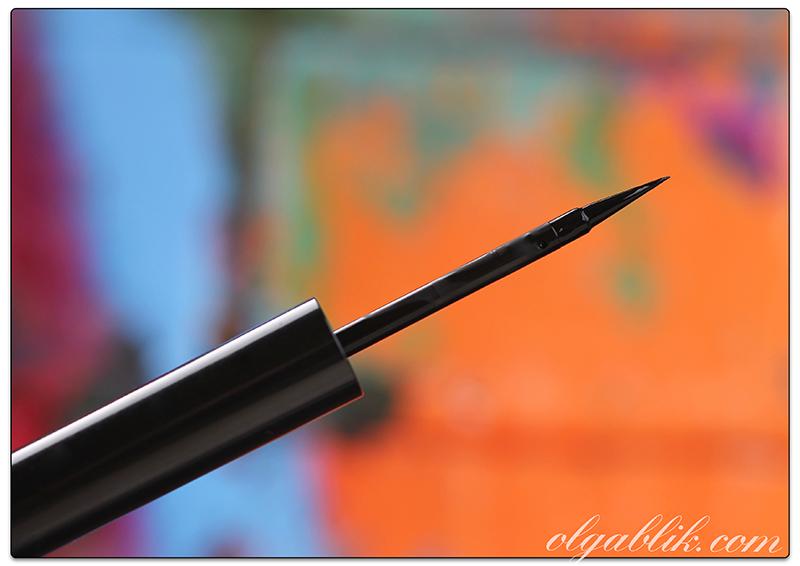 Жидкая подводка TheBalm Schwing Black Liquid Eyeliner