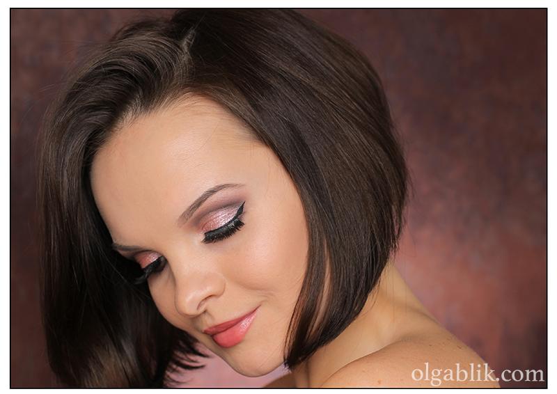 Макияж с палеткой Naked 3 Urban Decay Makeup Tutorial. Смоки айс для голубых и зеленых глаз. Фото.