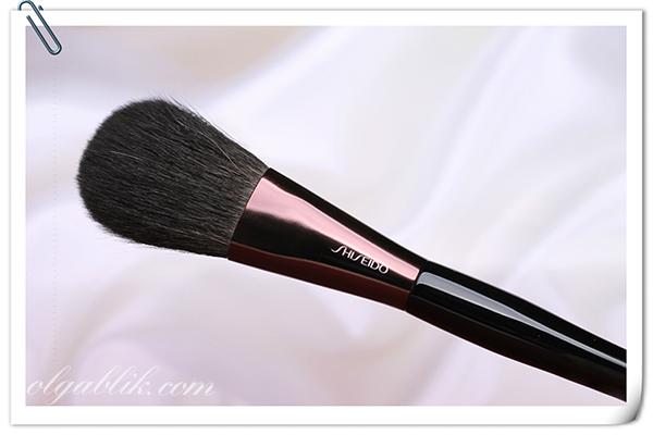 Shiseido The Makeup Powder Brush - кисть для пудры, отзывы и фото