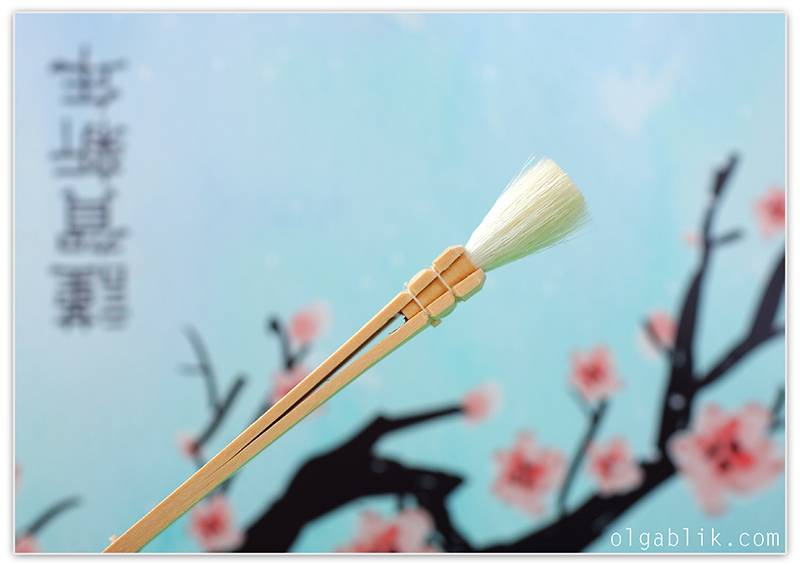 Традиционная японская кисть для макияжа Hakuhodo