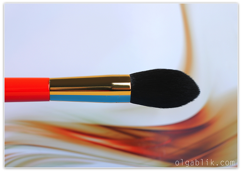 Hakuhodo - S103 Pointed Powder Blush Brush