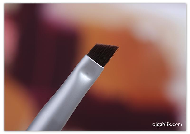 Кисти для макияжа The Balm Brush