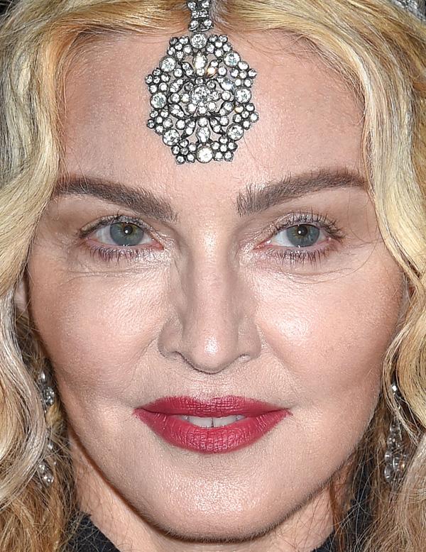 Фото неудачного макияжа звёзд
