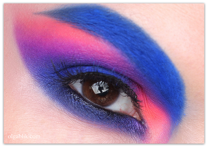 Неоновый макияж с палеткой Urban Decay Electric Palette