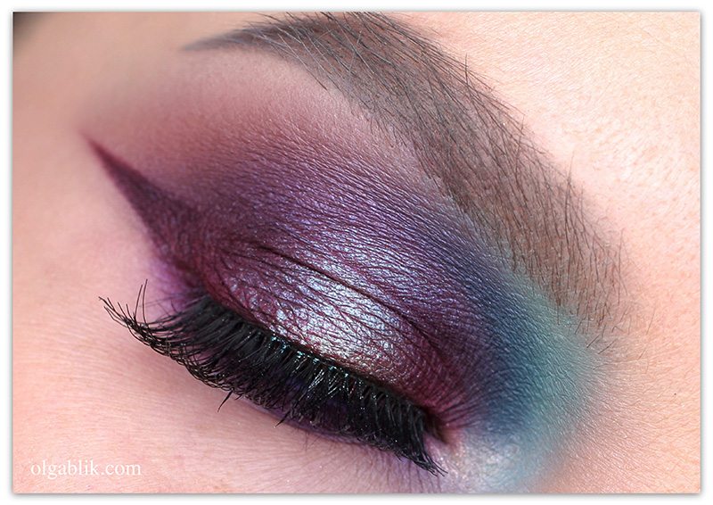 natasha-denona-eyeshadow-palette-28-purple-blue-makeup-1