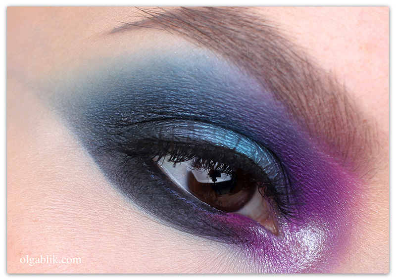 natasha-denona-purple-blue-eyeshadow-palette-28-makeup-look-1
