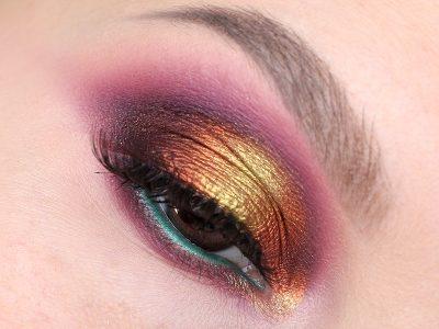 Бордовый макияж глаз Smoky Eyes