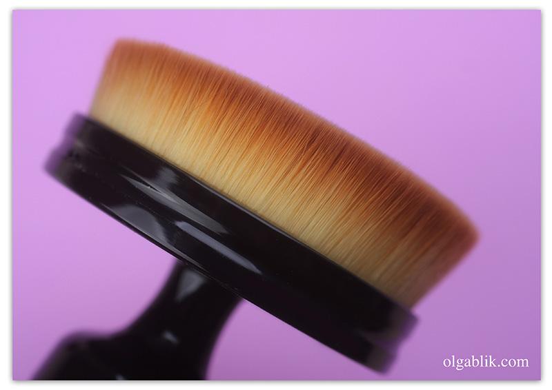 Cailyn O! Circle Brush