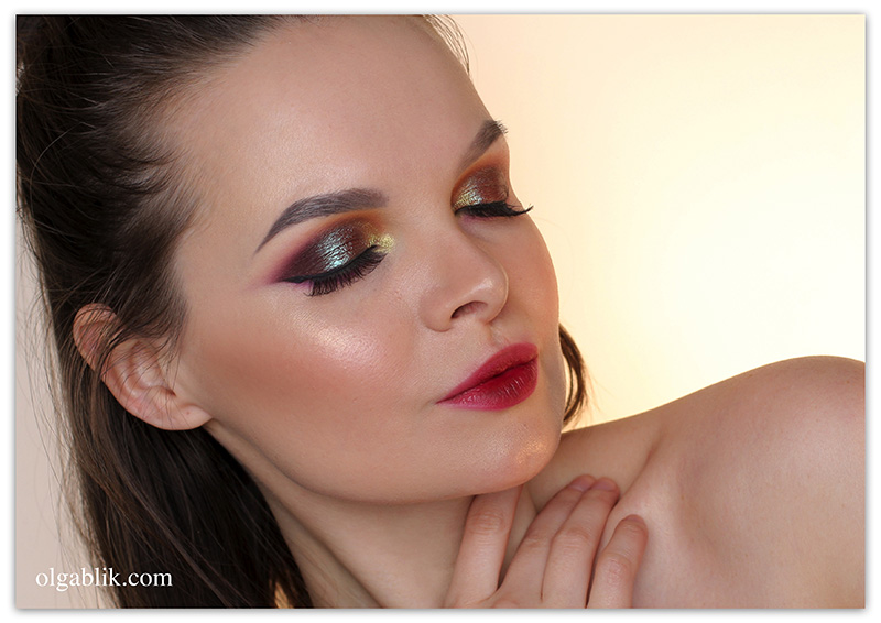 MAC Blue Brown Pigment Makeup Look