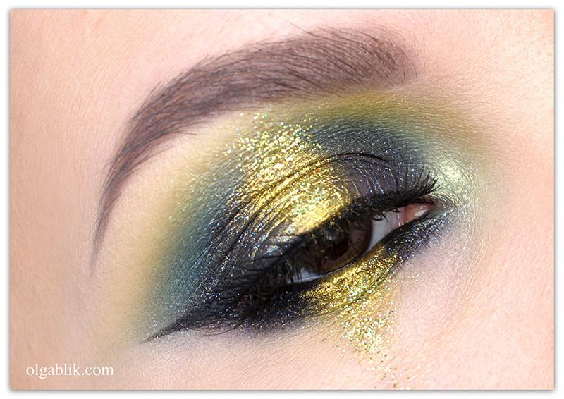 Sparkly eye makeup, Цветной макияж с блестками, Макияж с глиттером, Фото