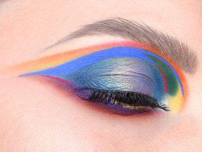 Стрелки атакуют: макияж глаз