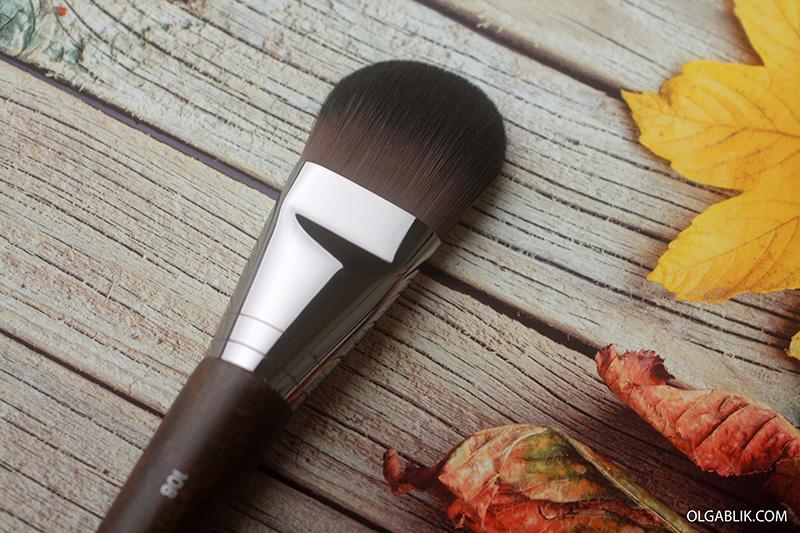 Кисть для тонального крема Make Up For Ever #108 Large Foundation Brush