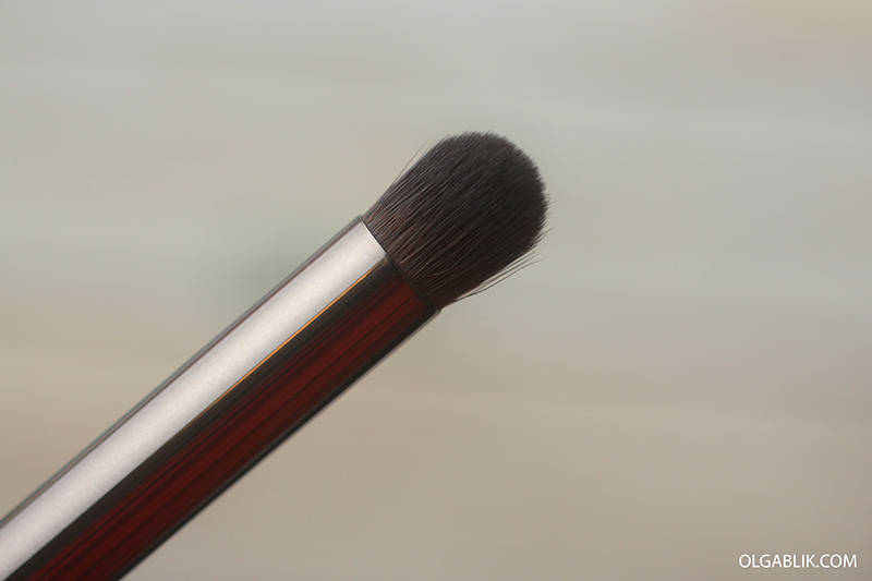 Кисть для теней Make Up For Ever #216 Medium Precision Eye Blender Brush
