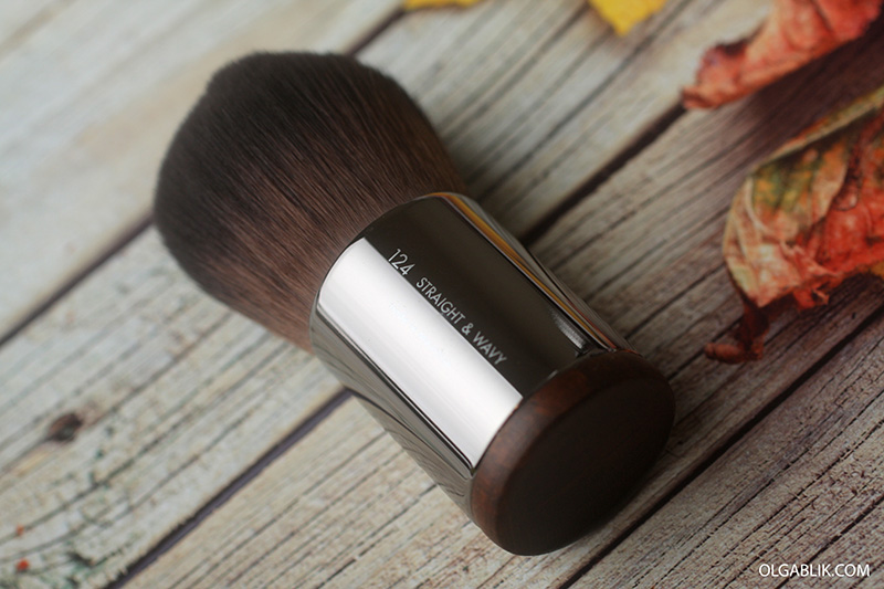кисть для пудры Make Up For Ever Powder Kabuki Brush № 124