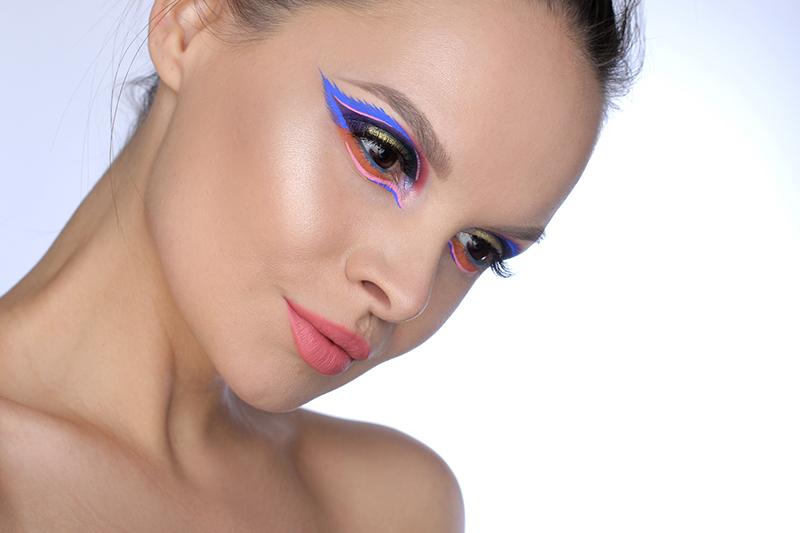 Wings Makeup, цветной макияж, Фантазийный макияж глаз фото