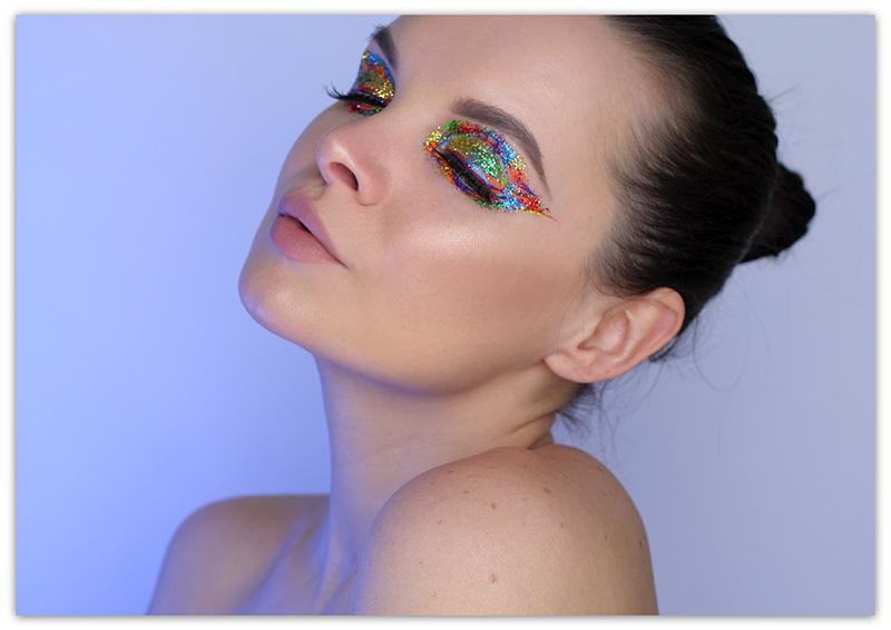 макияж с цветными блестками для карих глаз, как наносить блестки на глаза, макияж глаз с глиттером
