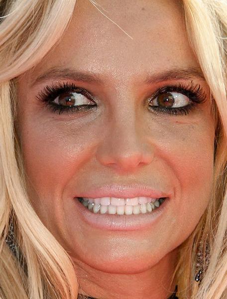 неудачный макияж знаменитостей, ошибки в макияже фото, ошибки в макияже которые старят