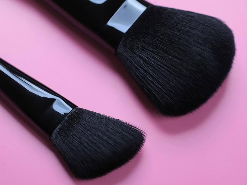 Главное, выбирайте качественные кисти для макияжа лица.