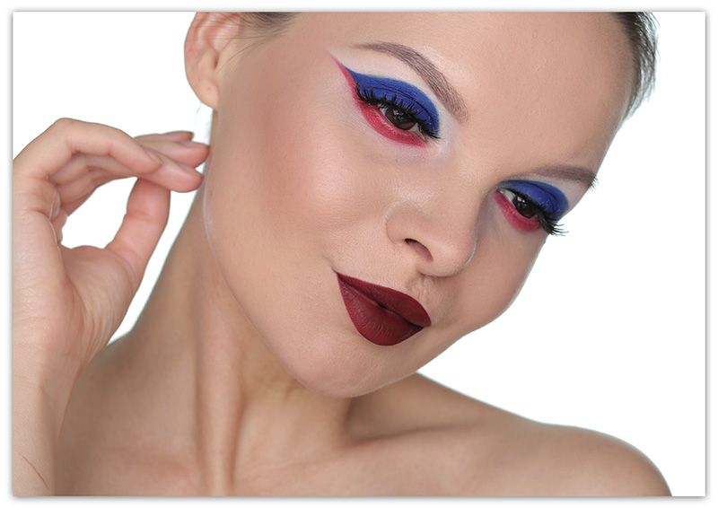 Как нарисовать флаг России на глазах лице, макияж болельщика, фото