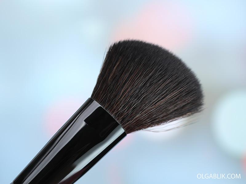 Кисть для румян Make Up Factory Blush Brush