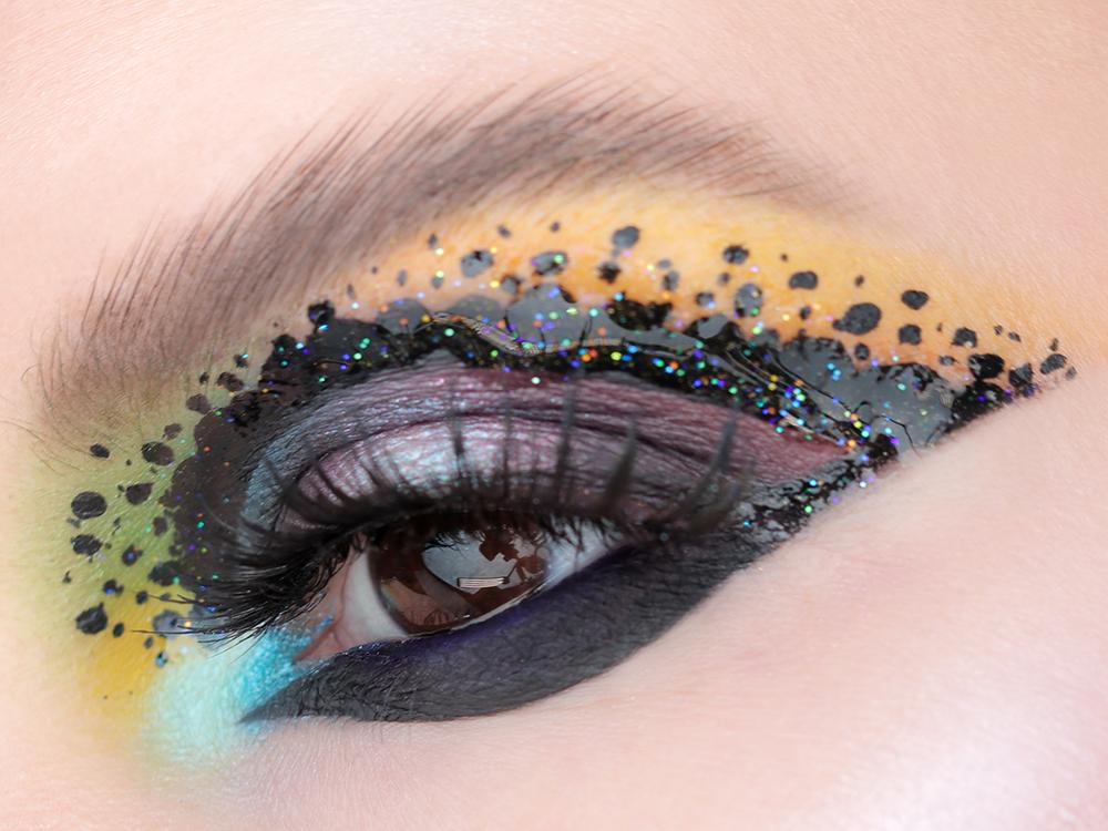 Яркий и необычный макияж глаз, макияж глаз фото, яркий макияж