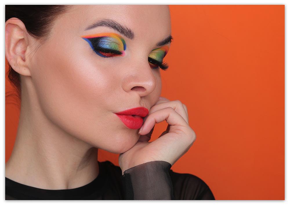 Яркие стрелки на глазах - фото, макияж глаз, цветные стрелки