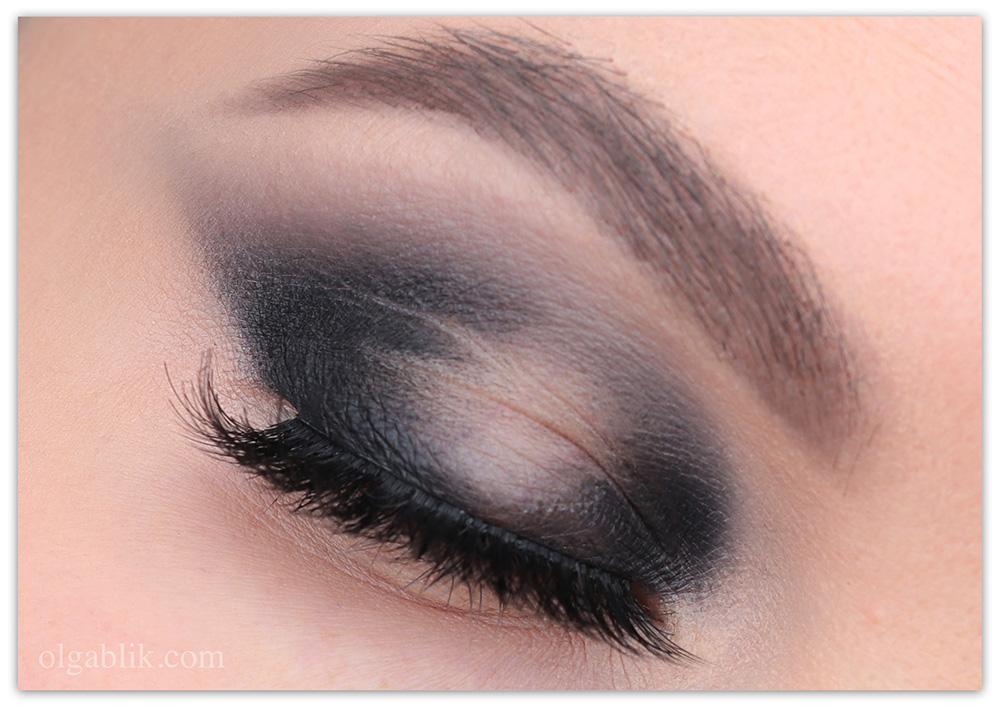 Макияж с черными тенями - Кошачий глаз: поэтапно нанесение теней