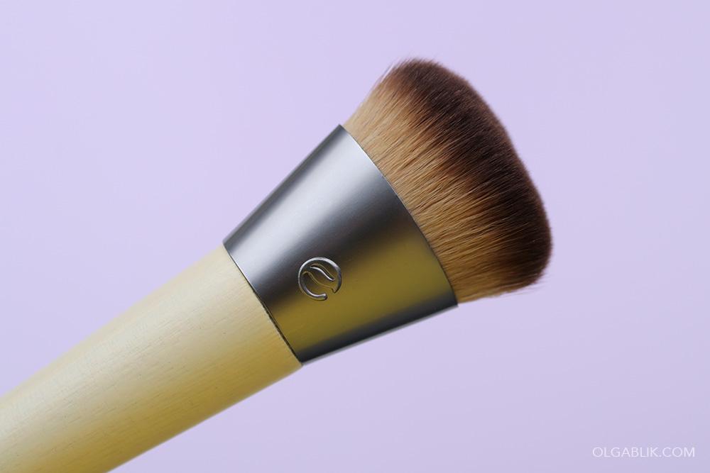Кисть для макияжа Ecotools Wonder Cover Complexion Brush