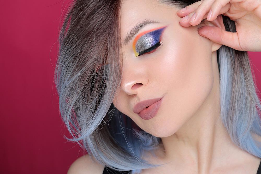 Цветной макияж с пигментами
