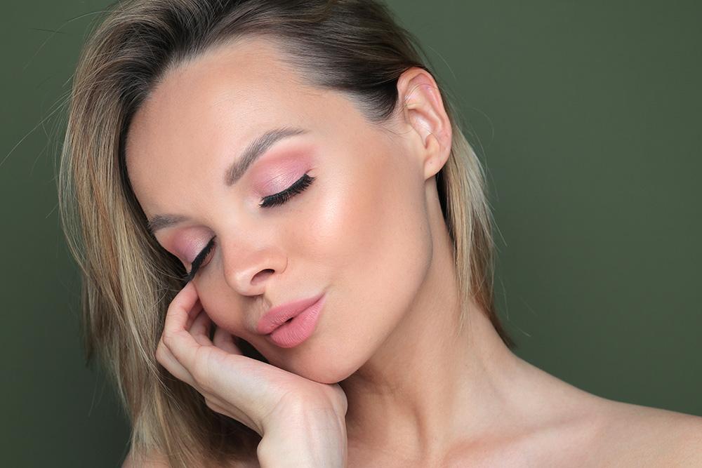 Макияж с розовыми тенями 2020 - фото, розовые тени на глазах
