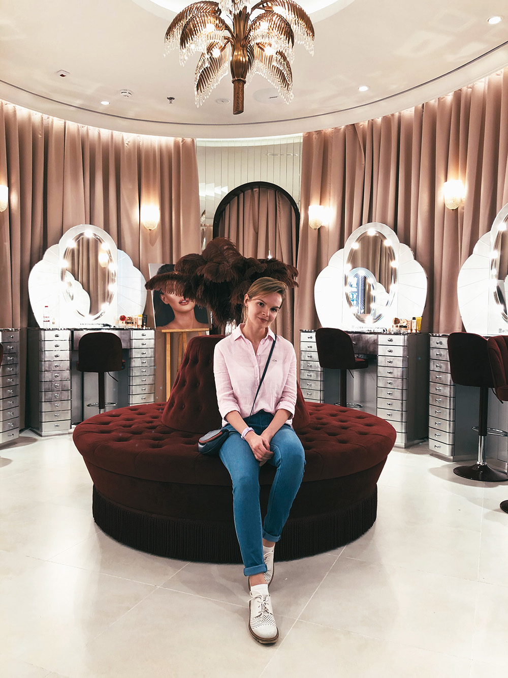 Декоративная косметика в Дубае