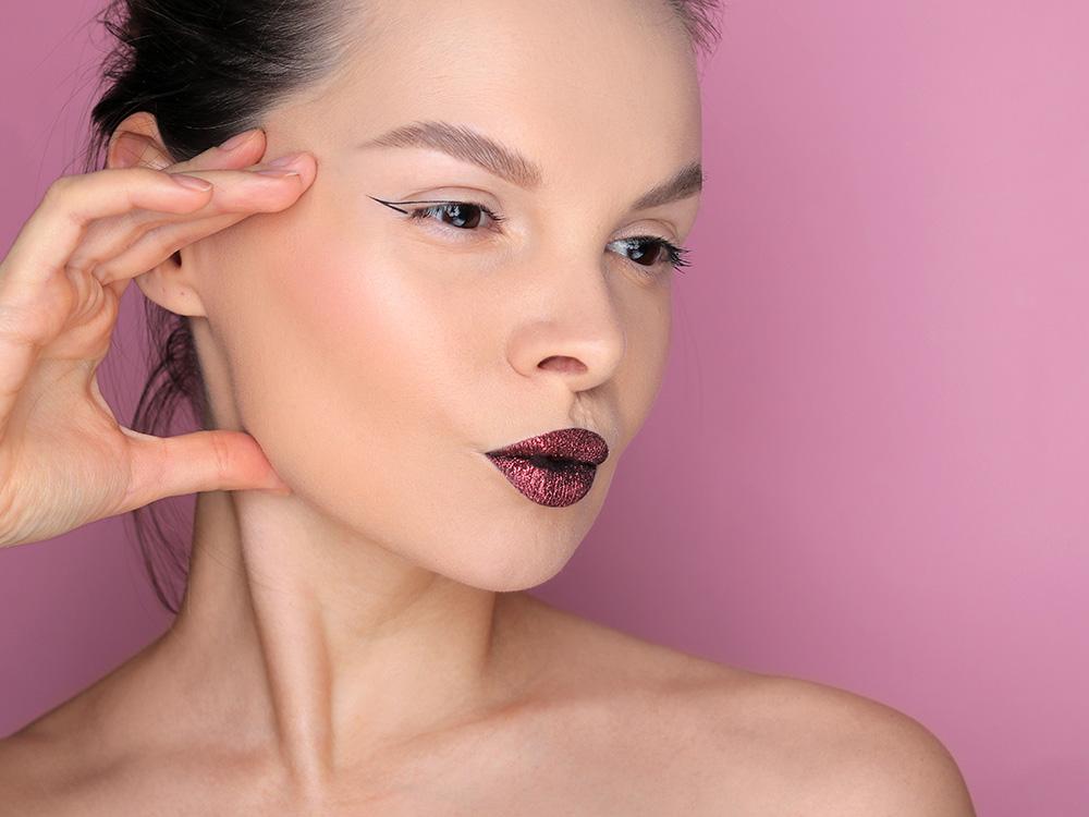 Как сделать макияж губ с глиттером