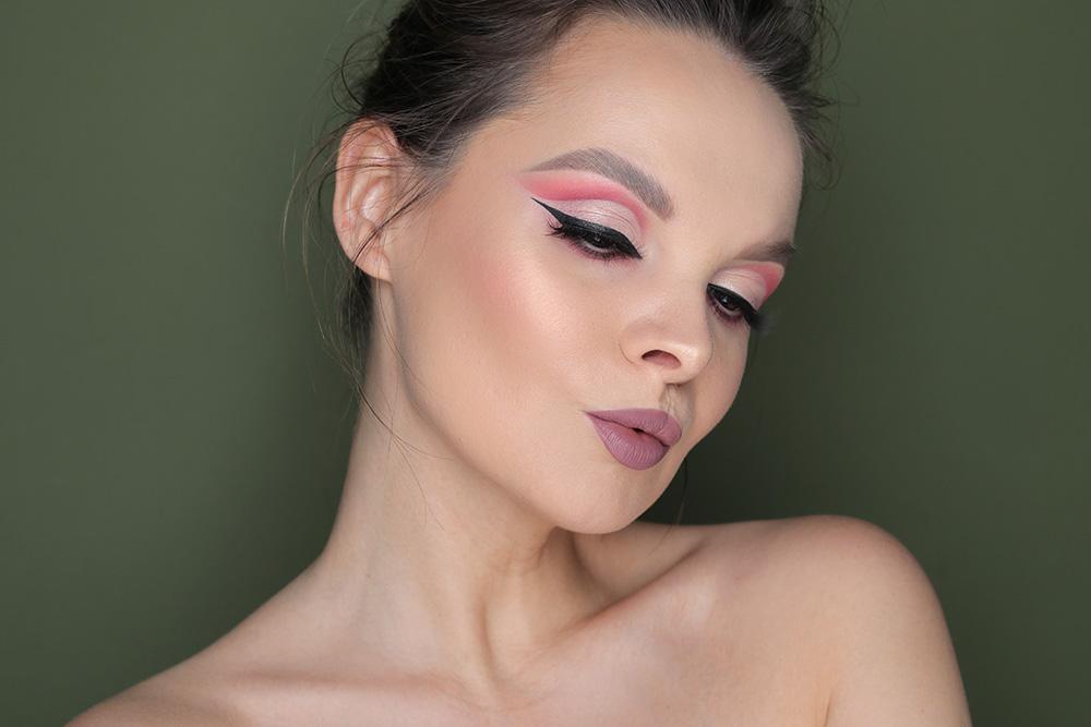 макияж cut-crease