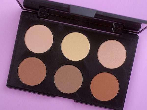 AC ON TOUR Powder Contouring and Highlighting Palette против белокожести