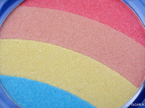 Хайлайтер Essence Prismatic Rainbow: сияние за 280 рублей