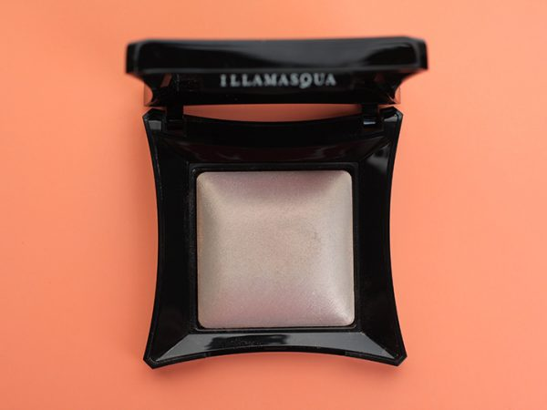 Хайлайтер Illamasqua Beyond Powder – OMG: отзывы и свотчи