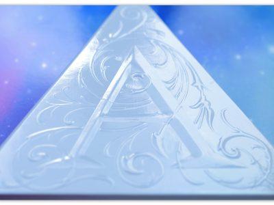 Kat Von D Alchemist Holographic Palette: безумное сияние