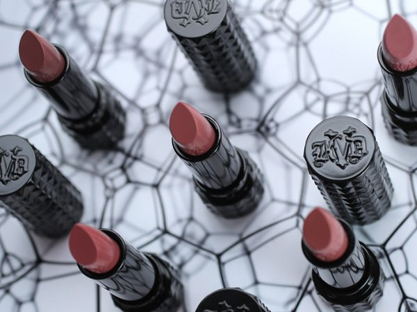 Kat Von D Studded Kiss Crème Lipstick: помада на каждый день (отзывы, свотчи, макияж)