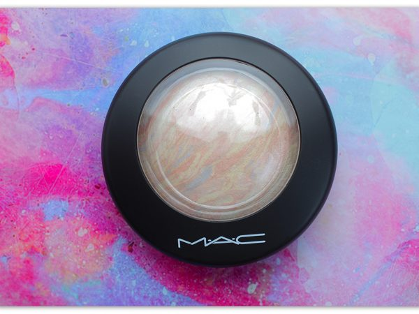 Незаменимая пудра-хайлайтер MAC Mineralize Skinfinish – Lightscapade